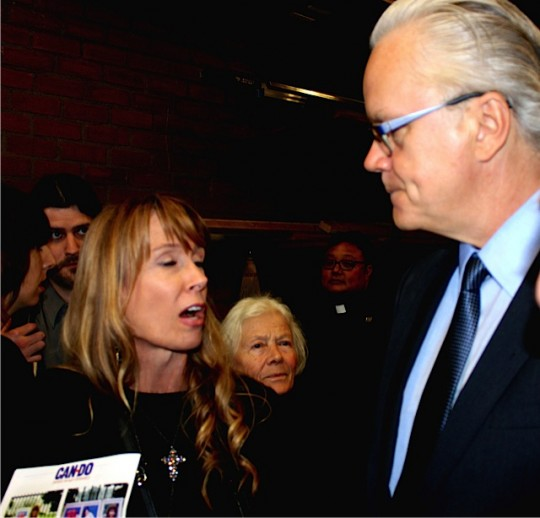 Amy Povah thanks Tim Robbins for his prison reform activism